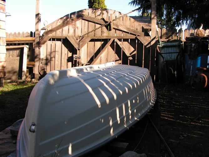 10 ft rowboat + 6 hp 4 stroke Nissan/Tohatsu outboard