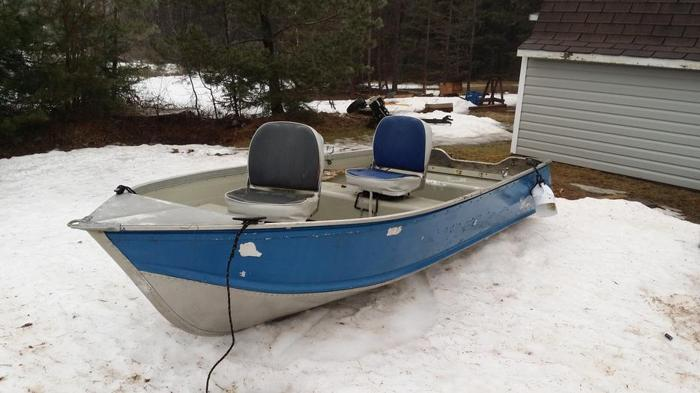 12 ft ALUMINUM BOAT WITH TRAILER
