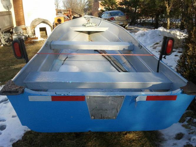 14 ft. Fiberglass Boat
