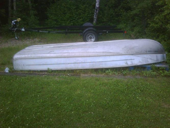 14' Viking Alum Fishing Boat and Merc 7.5hp Motor