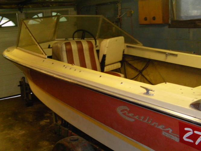 14.5' fiberglass Crestliner runabout with 50 OMC (trailer extra)