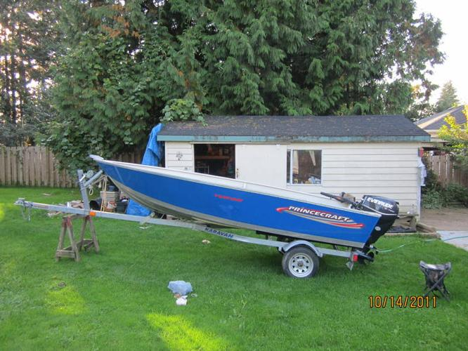 14ft Princecraft Yukon with 25 hp Evinrude etec electric start for