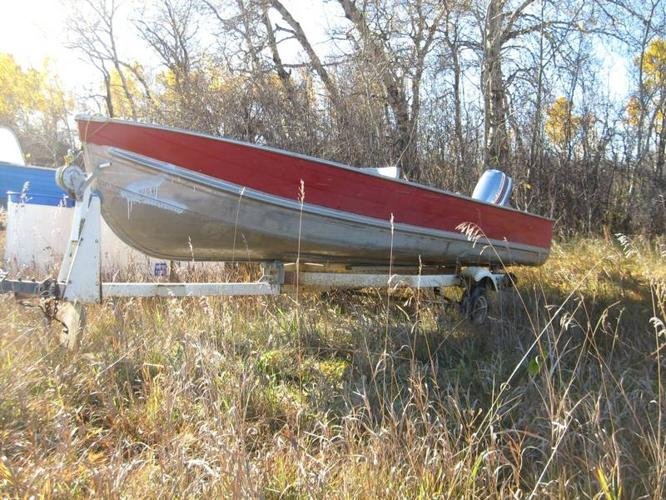 16 foot lund aluminum fishing boat with 35 hp evinrude for Used aluminum fishing boats