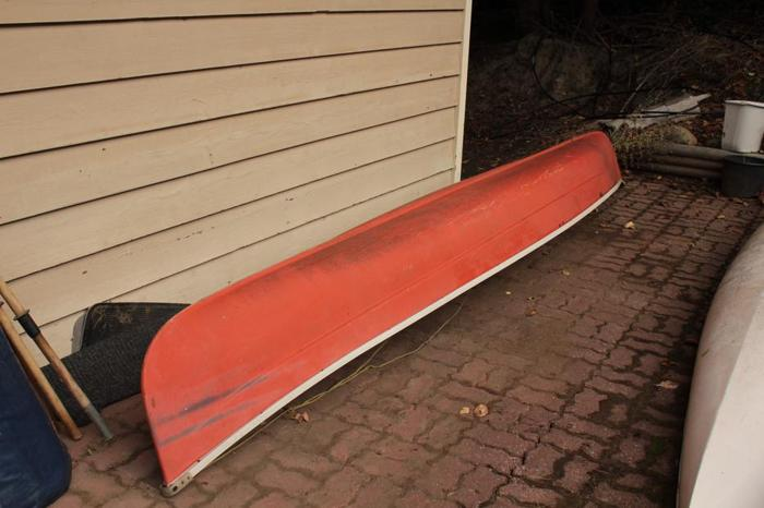 16 FT. EQUINOX FIBERGLASS CANOE WITH 2 PADDLES