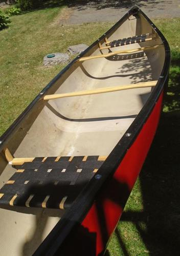 16 ft Peregrine Fiberglass canoe. recently restored..