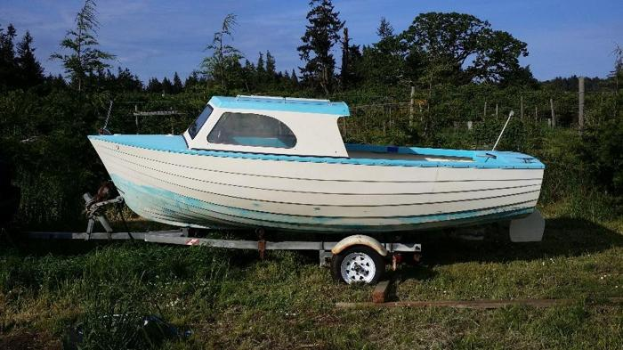 16ft custom built fishing boat.