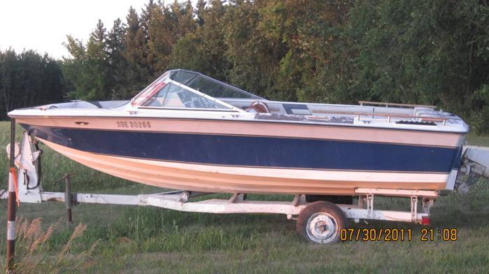 1980 Invader 175 OMC Runs Needs INterior work for sale in Lockport
