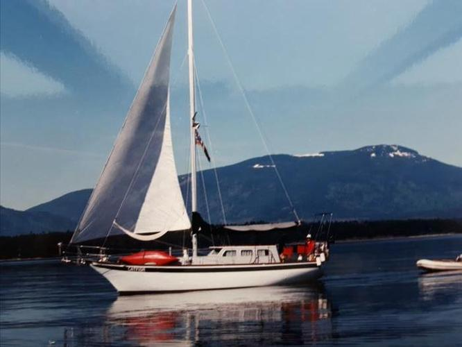 1987  35ft Endurance Cutter rig Pilothouse live-a-board cruiser