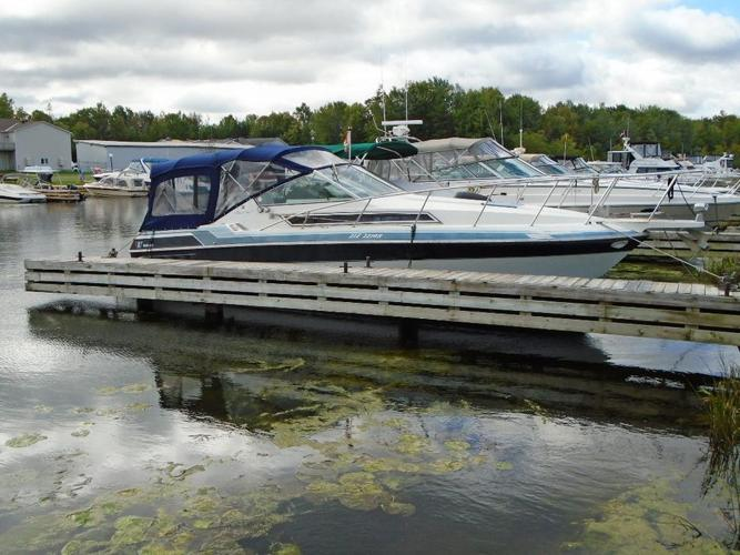 1988 Wellcraft 2800 Monte Carlo Express Cruiser FOR SALE