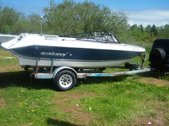 1989 18 foot Galixy bowrider with trailer