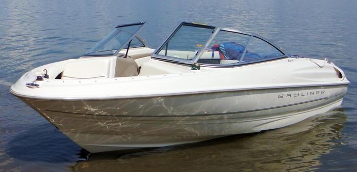 1999 Bayliner Capri 1750 135 HP, 3.0 litre, 97 hours