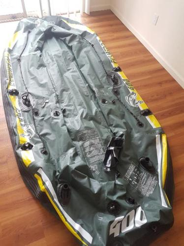 2 inflatable rafts with accesories