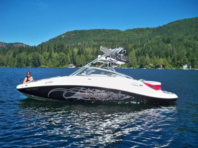 2007 Sea doo 230 Wake Board Boat