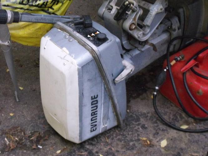 6 hp evinrude outboard and tank