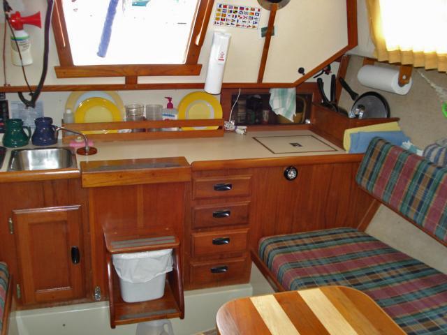 Cal 2 27 Sailboat fully loaded - $18,900
