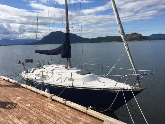 C&C 29' sailboat