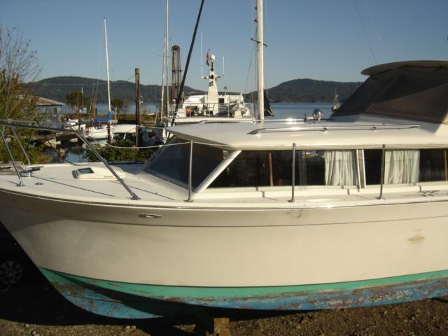 Classic  31 Foot Chris Craft Commander Even Lower Price
