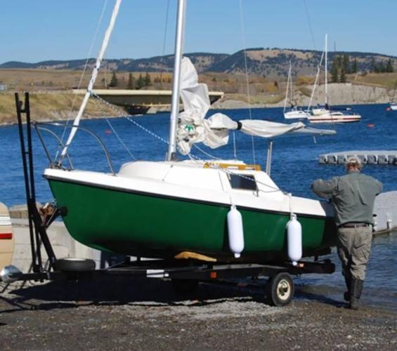 DS16 swing keel sailboat and trailer for sale