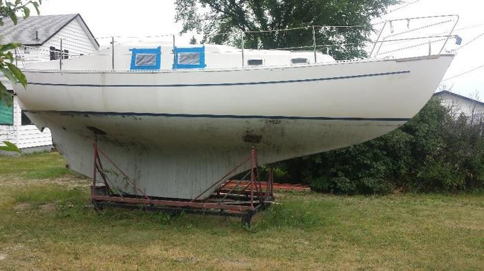 FREE: 30ft sailboat