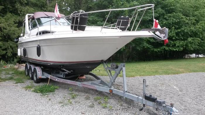 Fun boat that sleeps 6