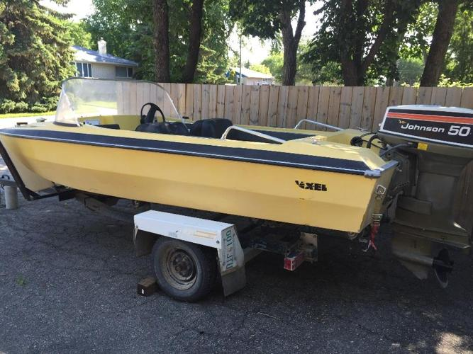 GlasTech Boat w/ Johnson 50hp Outboard