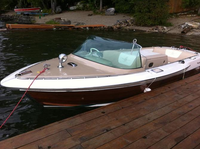 Gorgeous 1962 Mahaogany Century Sabre Inboard