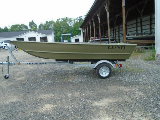 Jon Boat !! ATTENTION DUCK HUNTERS & FISHERMANS !!