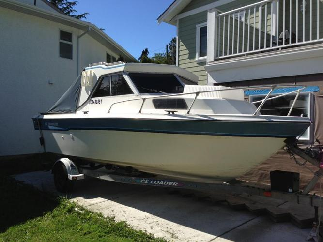 K & C Thermoglass 19 ft fishing boat with yamaha 150 and honda 8 kicker