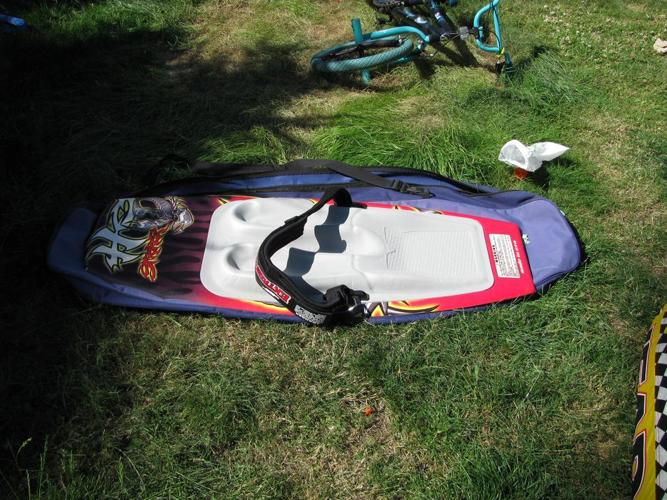 knee board  tow tube