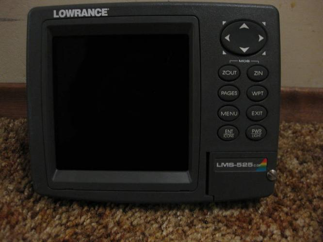 Lowrance lms 525 c df fish finder head unit for sale in for Used fish finders for sale