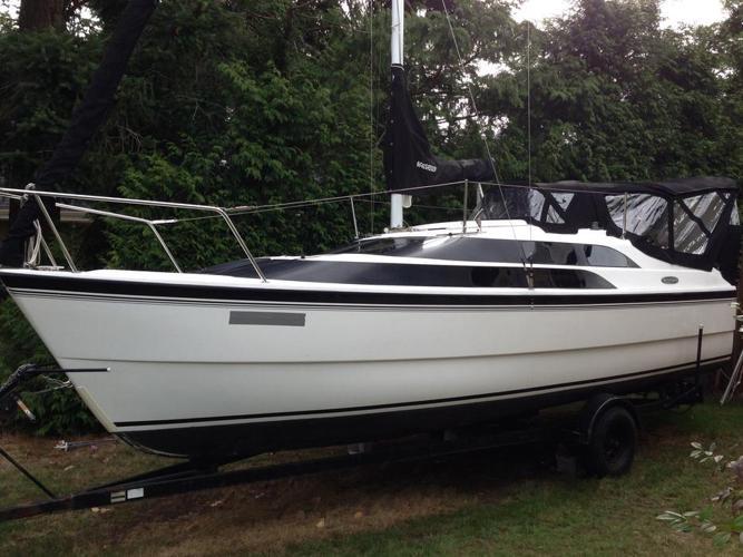 Macgregor 26M Sailboat/motorboat (2007)