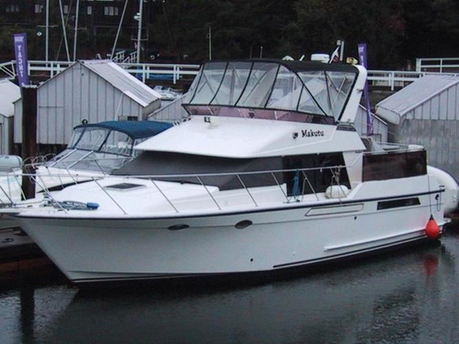 Ocean Alexander 42' Sundeck