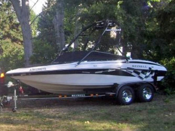 Ski Boat - Reinell 19' 225HP fuel injected Volvo Penta 2008