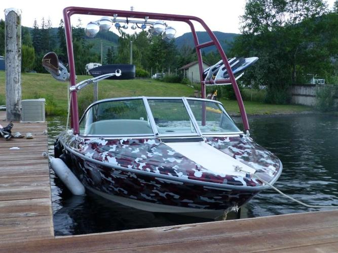 ski boat tournament hull inboard wake tower water ski