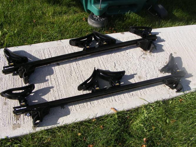 Sportrack Rail System, 2 sets of Kayak Cradles & 3 Bike Racks
