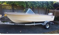 This is a rebuilt 1970s 14.5ft Hourston Glasscraft. Solid transom and new floor with foam between the stingers. All new electrical. The original seats are starting to split The boat easily does 20 knots with a 2015 30HP E-tec 2-stroke outboard, which has
