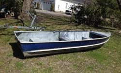 14 foot fishing boat 3 seat across 14 foot long 55 inch wide and 22 inch deep this is not a perfect boat made by aluminum inc call 613-822-1795 sorry pick up only Pierre