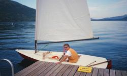 "1981 AMF Force Five 13'-10"" sailboat, 4'-10"" beam, 145 lbs hull weight, 91 sq. ft. mainsail, automatic bailer, trailer included, very fast fibreglass planing hull, battens, alum. mast and boom, rigging, fibreglass dagger board and rudder, extendable"