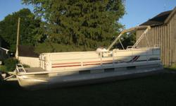 Just Arrived In! 1998 Crest II DL 25' Pontoon Boat w/1998 Mercury Mariner 40hp * 1998 Mercury Mariner 40hp * Power Tilt, dual station * Boat 25 ft long x 8 1/2 ft wide * Deluxe Model * Seats 14, Full Furniture * Furniture is in excellent condition *