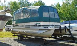 2002 Princecraft Vantage 20 Pontoon for Sale This 20' Princecraft Vantage pontoon boat is powered by Mercury 50hp Bigfoot motor. Bench seating for 10, large table, sink, the front benches converts to a large louger, port-a-potty, depth finder, stereo, and