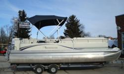 2006 Bennington 2275 GL Top of the line luxury pontoon boat.  Powered by fuel injected 60hp Yamaha fourstroke.  Lots of comfortable lounge seating and storage room.  Includes bimini top and ski bar.  Standard options like cd stereo, change room and depth