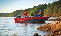 2012 Tracker ProGuide V175 SC The rock-solid Pro Guide? V-175 SC instills confidence by providing maximum stability through all conditions. Its wide 82 inch (2.08 meter) bottom and 20 degree deadrise provide exceptional stability and a smoother ride in