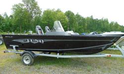 Anglers looking for the perfect versatile fishing boat are going to love the Lund 1625 Fury XL. This aluminum fishing boat has a spacious cockpit for unrestricted fishing and comes in a tiller, side console, or full windshield. It's also small enough to
