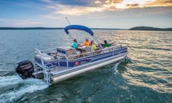"""**LIMITED TIME OFFER** REGULAR: $49,995 - $5000 CASH ALTERNATIVE = $44,995 w/115 ELPT 4Stroke Command Thrust LIMITED TIME BONUS: Upgraded Cover & Fishfinder! Includes Sun Tracker 10+Life Warranty """"The Best Warranty in the Pontoon Business""""! Features NEW"""