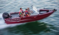 **LIMITED TIME OFFER** REGULAR: $48,995 - $3000 CASH ALTERNATIVE = $45,995 w/150HP 4Stroke LIMITED TIME BONUS: 'Exclusive Premium Fishing Package' - Upgraded Cover, Battery Management System/Charger, Upgraded Fishfinder AND i-Pilot® PLUS Tracker 5-Year