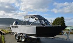 With NO Shore in sight the Advantages are plain to see with this 2016 North River 18'6 Seahawk Outboard rigged with a Yamaha F115XB. - Yamaha pre-rig w/dual Command Link gauge kit - Bracket, trolling motor - welded to transom - Boarding Ladder - welded
