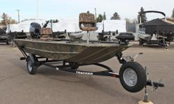 **LIMITED TIME OFFER** REGULAR: $22,995 - $3,000 CASH ALTERNATIVE = $19,995 w/Mercury Big Tiller 40 hp 4-stroke INCLUDES: Lowrance Hook 4x Chirp fishfinder, MinnKota 12v PowerDrive 55 lbs Thrust w/I-pilot, and 2 fishing seats! ONLY 5 HOURS! Mercury