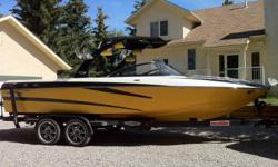 """WAKESETTER  247 LSV                                                                                                          ROOM  FOR  16 ,       24' 7""""  LONG 8.1  LITER  BIG  BLOCK    450  HP OPTIONS  POWER  AND  HEATER  FRONT  SEATS UNDER  WATER"""