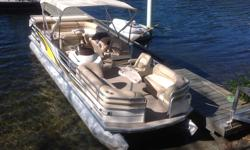 "2002 Suntracker, Regency 27. This is the largest pontoon boat made by Suntracker Marine, before you step up to the ""Party Hut"" 30' mini house boat. Equipped with the following features: - twin 24"" diameter pontoons - four cylinder , 135 horse, Mercruiser"
