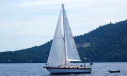 F.G. hull, teak and ash int. new Yanmar 30 (200 hrs) stove with oven, diesel heater, Andersen 2 speed S/T winches, full batten main and roller furling. Sails in excellent cond. Bruce 15kg and Fortress FX 35 anchors. on a mooring at Canoe Cove anchorage.